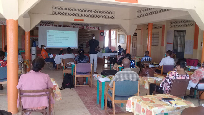 PAHO trains 2,800 community health workers in Haiti for COVID-19 Response